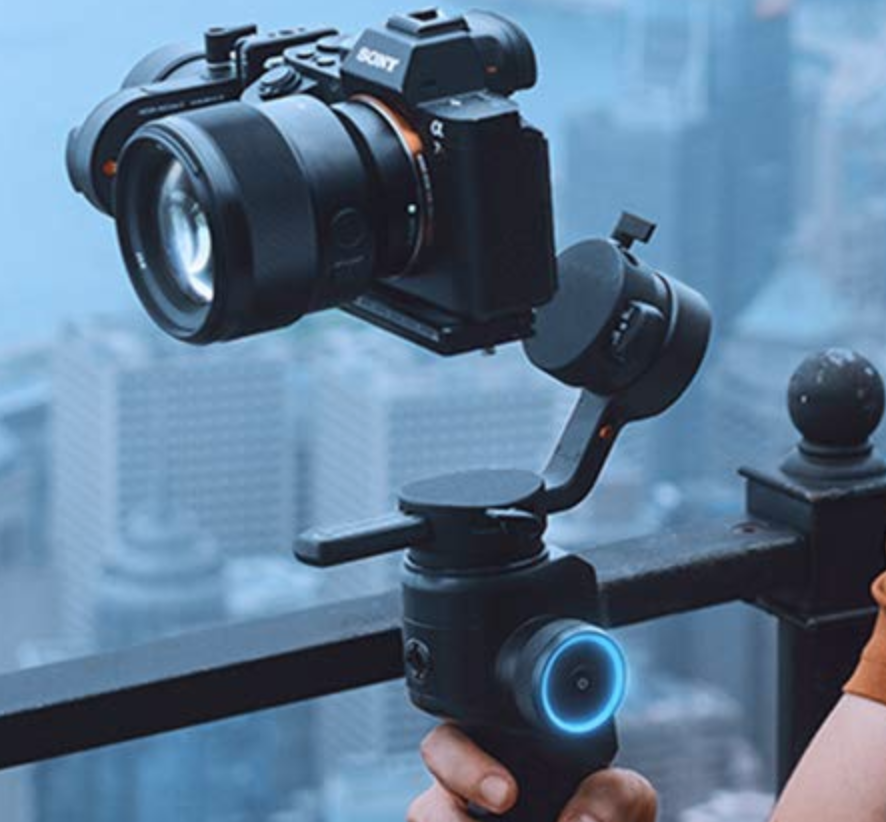 MOZA AirCross 2 3 Axis Handheld Gimbal Stabilizer with Dual Handheld Grip and iFocus-M Follow Focus Motor for Mirrorless Camera up to 3.2kg/7lb Parameter Easy Setup Auto-Tuning 12hrs Runtime 18W Fast